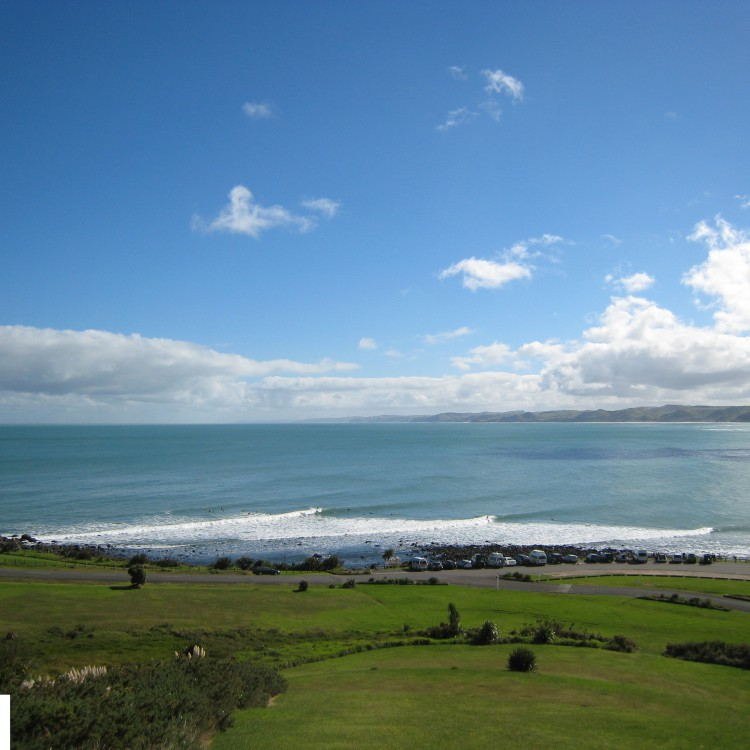 Raglan New Zealand Surfing